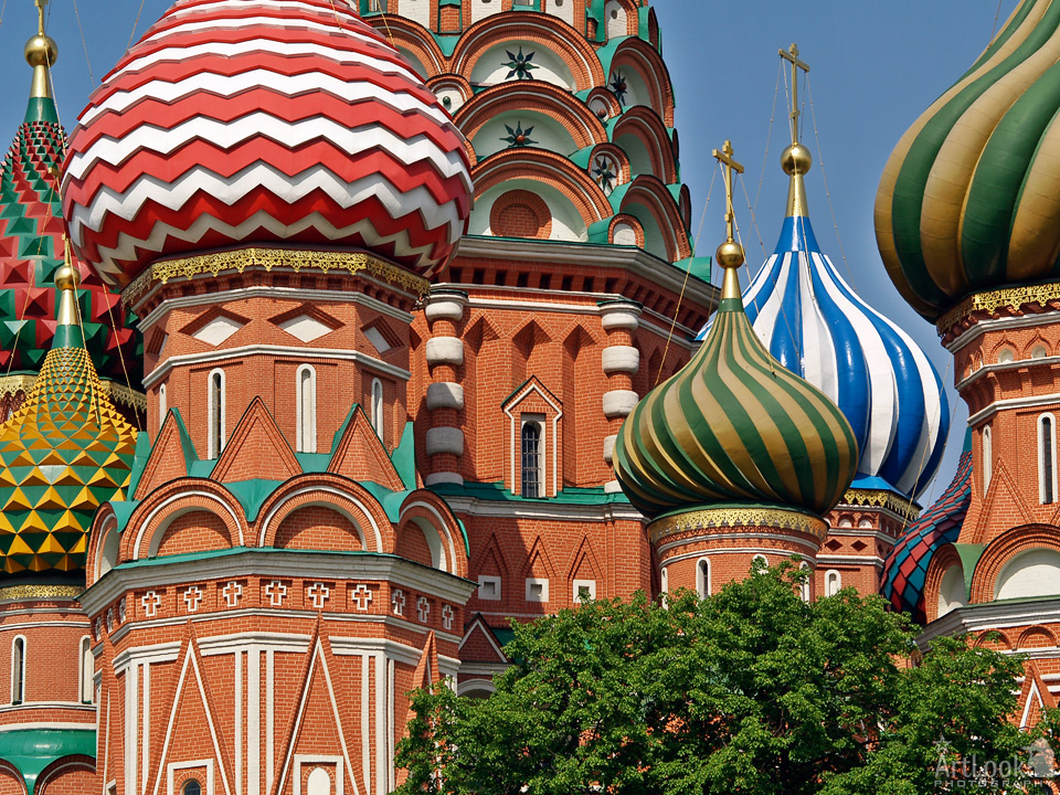 """= Stunning Onion-shaped Cupolas = On this picture you can see sharp details of exterior decorations of the most famous church in Russia, Intersession (St. Basil's) Cathedral which is located on the Red Square, nearby Moscow Kremlin, """"The Heart of Russia"""". You can find here 7 of 10 very nice colorful, ridged onion-shaped cupolas (domes). Photo #078 taken on May 23, 2007 ©2007 Moscow-Driver.com by Arthur Lookyanov"""