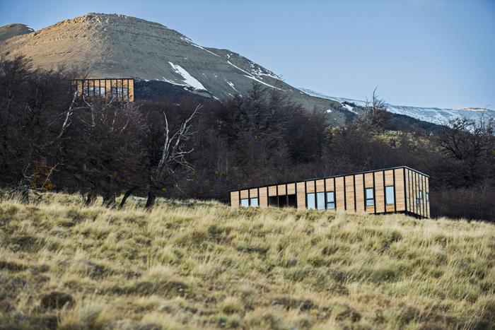 "Fabrika de Case - Constructiile modulare se ""pierd"" in peisajul salbatic"