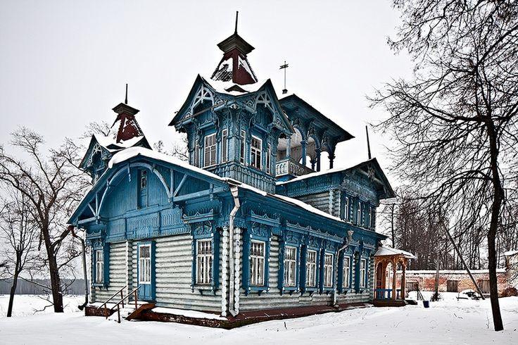 Fabrika de Case - Dacha construita la inceputul anilor 1900 in regiunea Kostroma