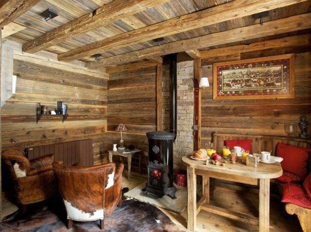 Fabrika de Case - Interior rustic, din lemn