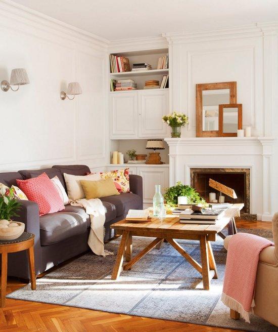 Fabrika de Case - Masuta din lemn este creatia proprietarei apartamentului