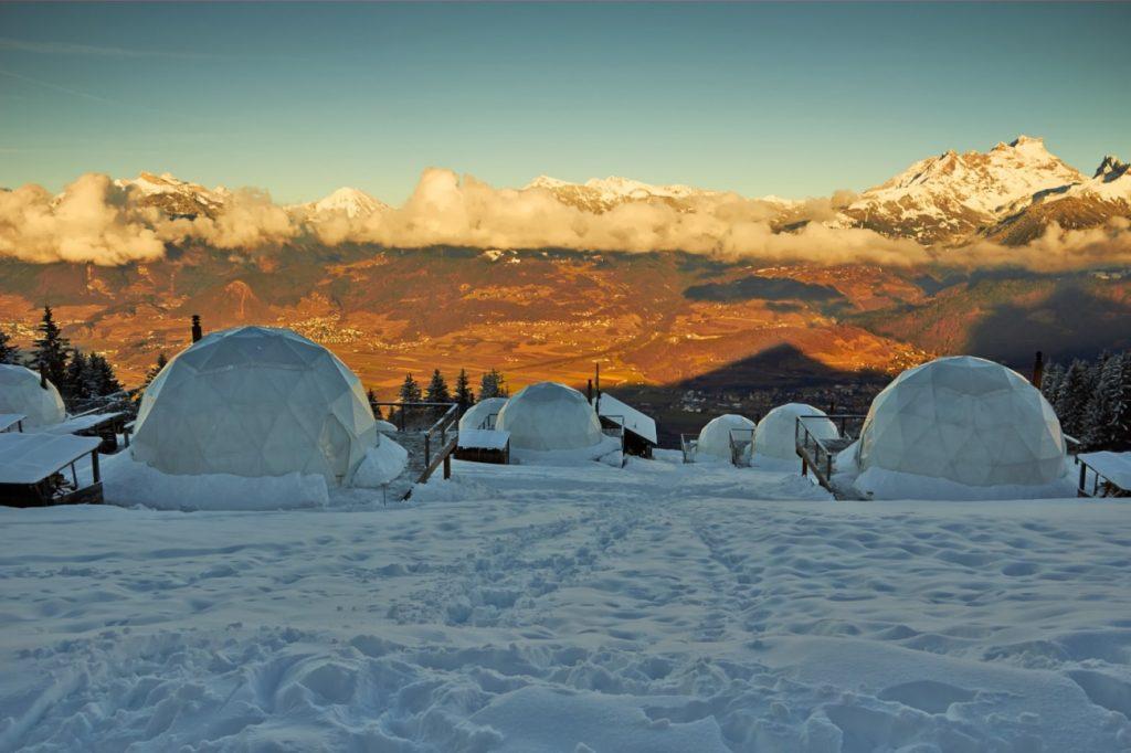 Fabrika de Case - Tursim ecologic in Alpi