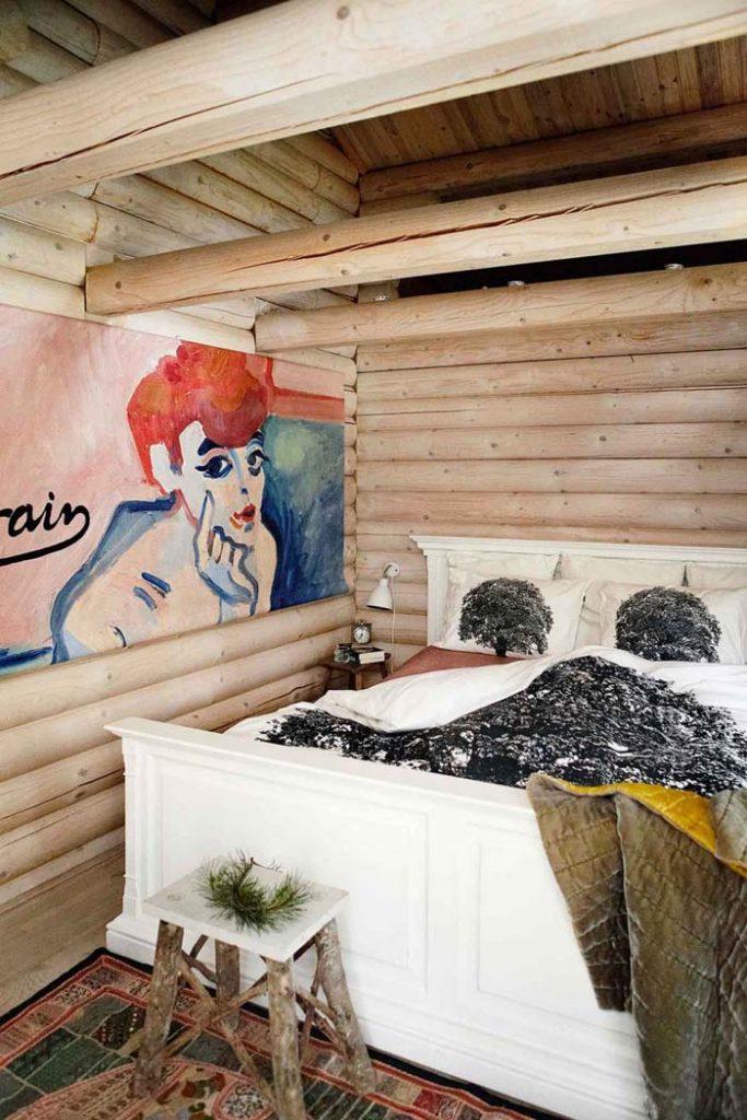 fabrika de Case - Posterul reprezinta o interesanta pata de culoare in dormitor