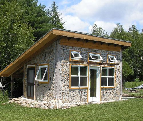 Fabrika de Case - Casa cordwood in Watervilet, Michigan