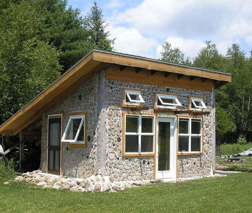 Fabrika de Case - Casa cordwood in Watervilet, Michigan