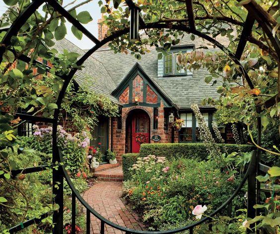 Fabrika de Case - Stil Tudor in Oregon