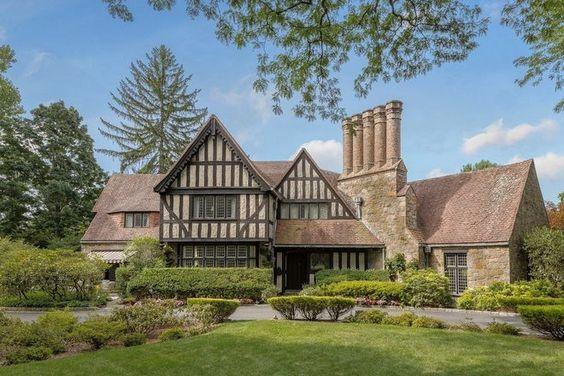 Fabrika de Case - Stilul Tudor