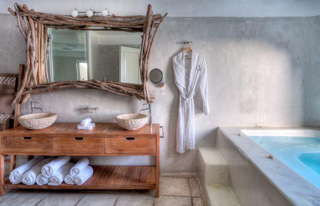 Fabrika de Case - Mystique Resort, Santorini