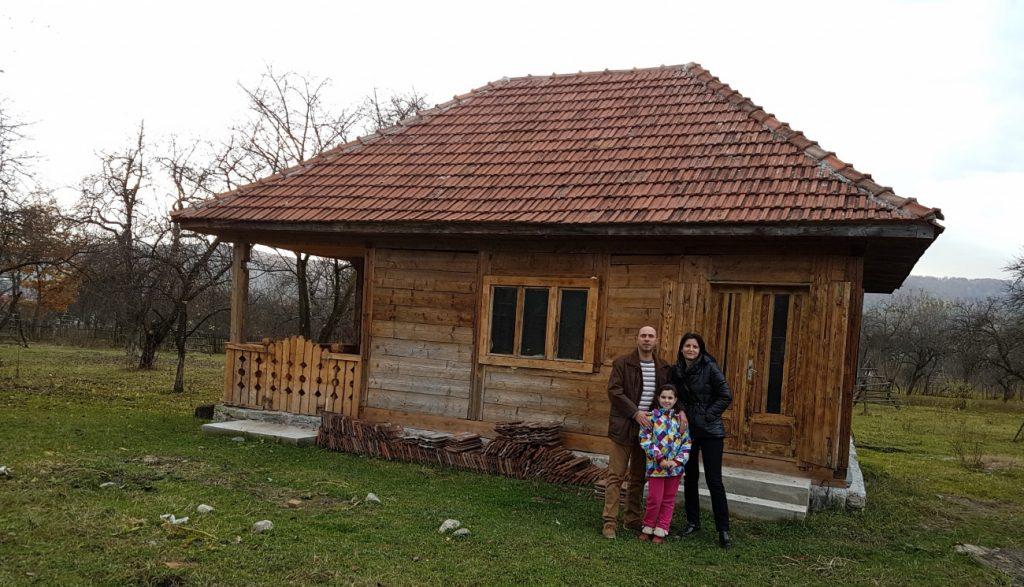 fabrika-de-case-muzeul-satului-in-albestii-pamanteni-arges