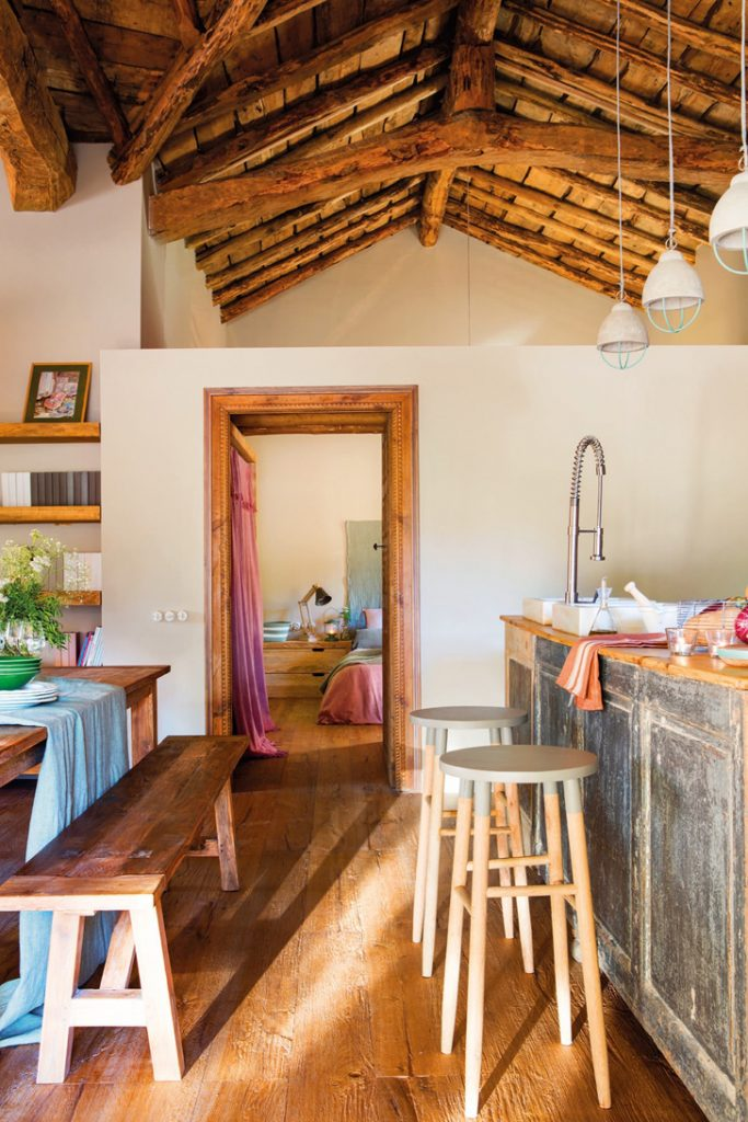 Fabrika de Case - Cabana din piatra si lemn in Spania