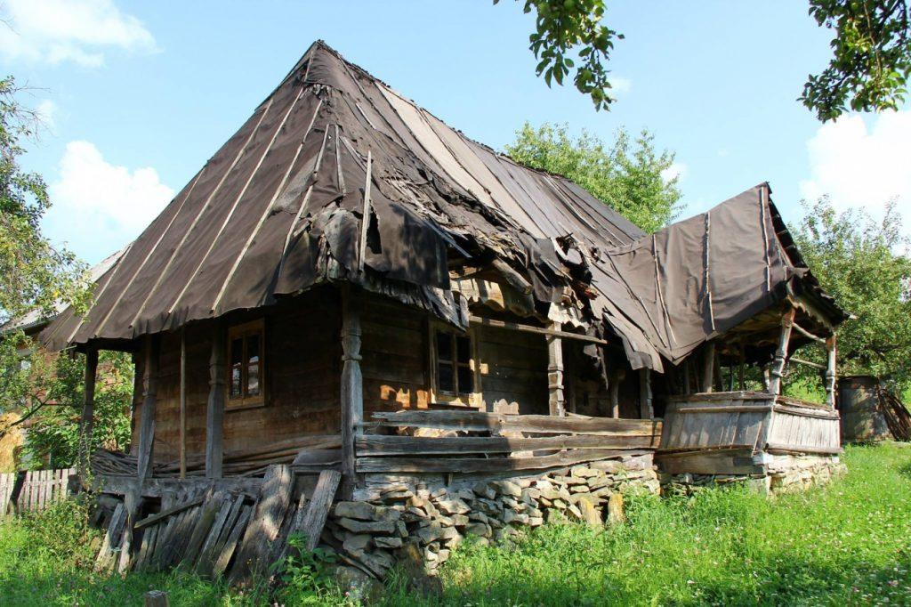Fabrika de Case - Casa cu clai, Maramures