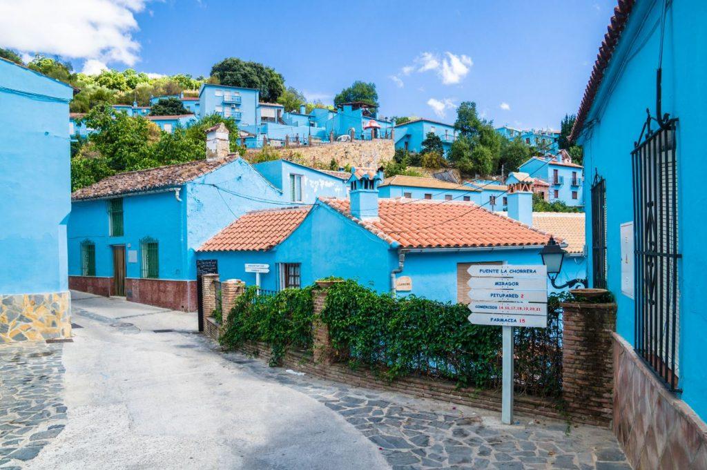 Fabrika de Case - Juzcar, satul Strumfilor