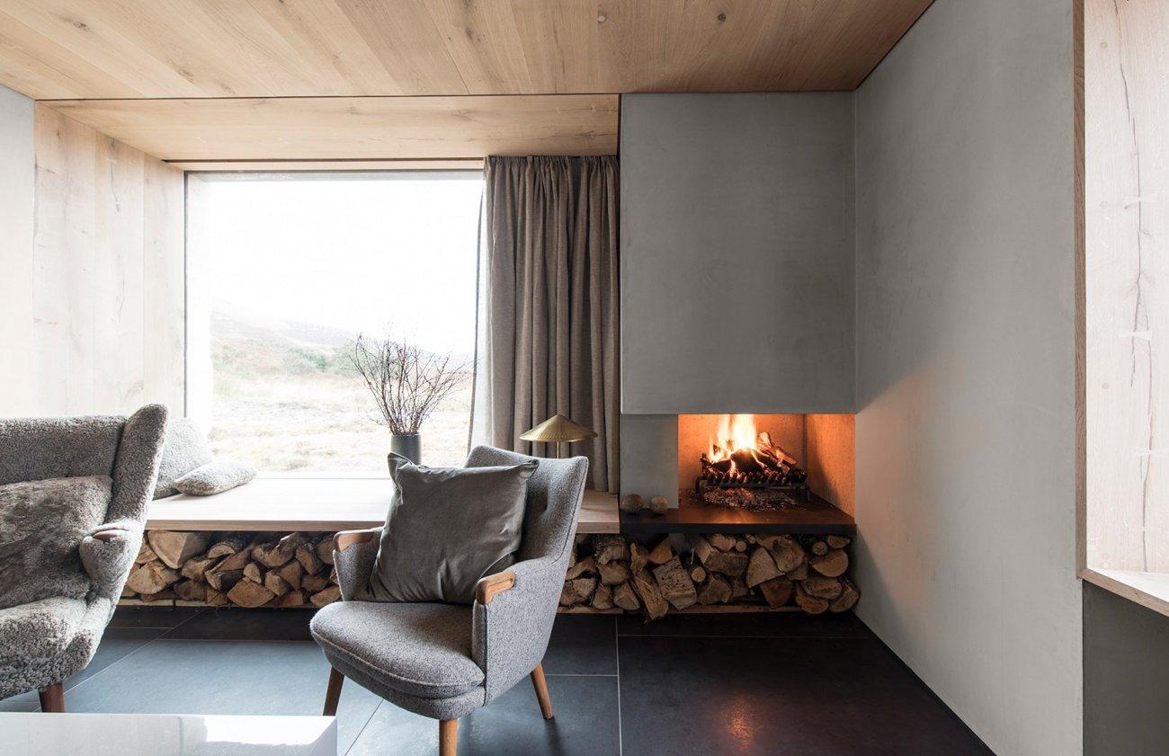 window seat fireplace