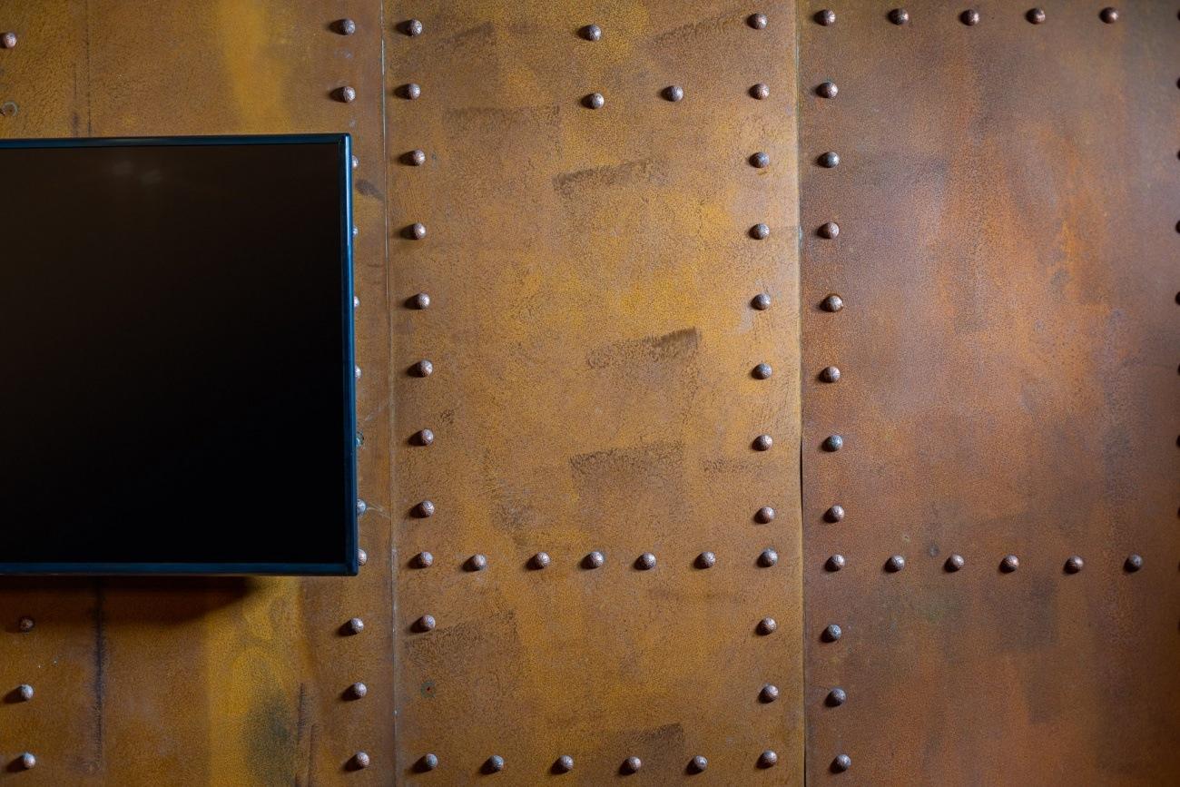 perete tablă amenajare în stil industrial