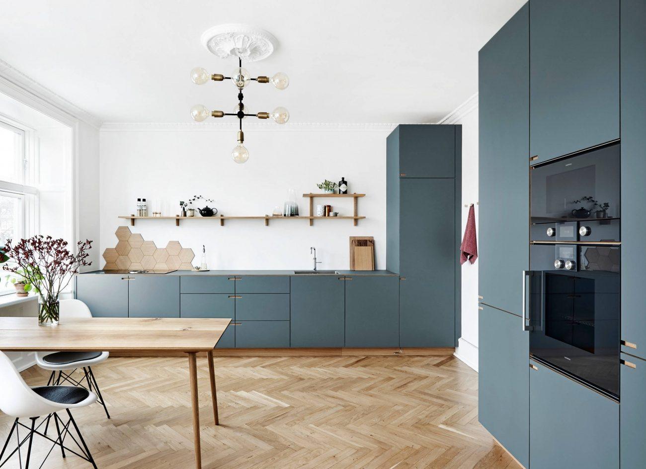 placarea pereților din bucătărie în dreptul aragazului